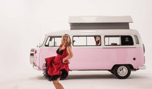 Martin-dorey-pink-camper-maz-lindy-bop